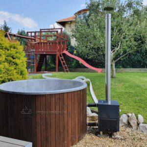 Gránit szürke (2m, csillámos) szigetelt dézsafürdő, dió (barna) faburkolattal, kályhával, tetővel, lépcsővel stb.