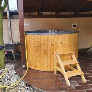 Gránit szürke(2m, csillámos) szigetelt dézsafürdő, natúr olaj faburkolattal, kályhával, tetővel, lépcsővel stb.